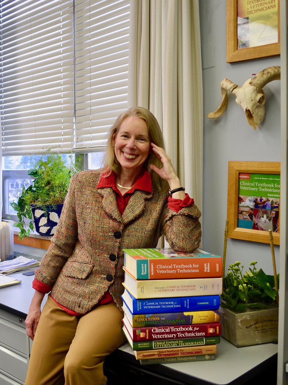 Manor College S Joanna Bassert Vmd Wins Mcguffy Longevity
