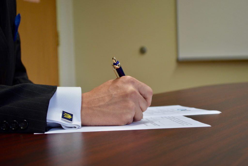 President Peri signs with Vasyl Stefanyk Precarpathian National University